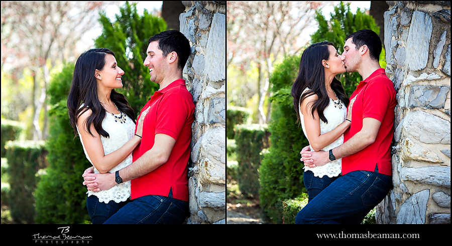 linwood-estate-wedding-venue-photo-kissing-engagement-session